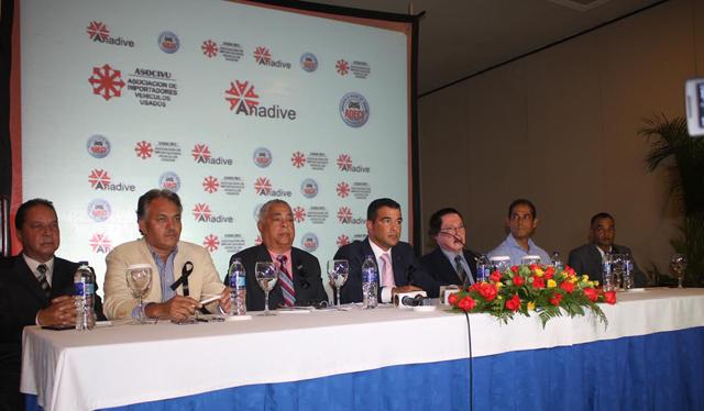 Paralizarán importación de vehículos usados en República Dominicana